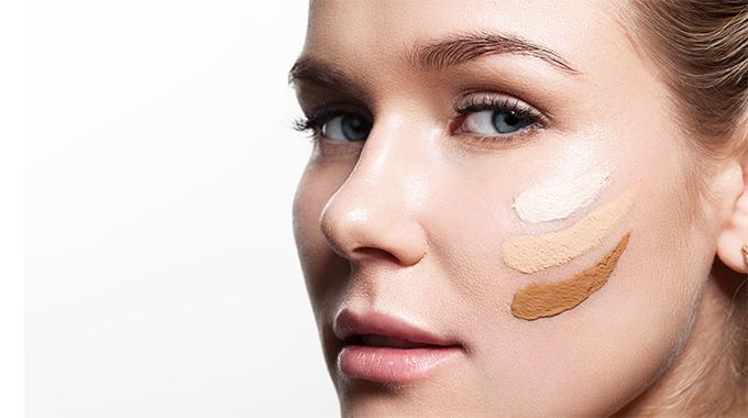 Jak dobrać  podkład przy makijażu