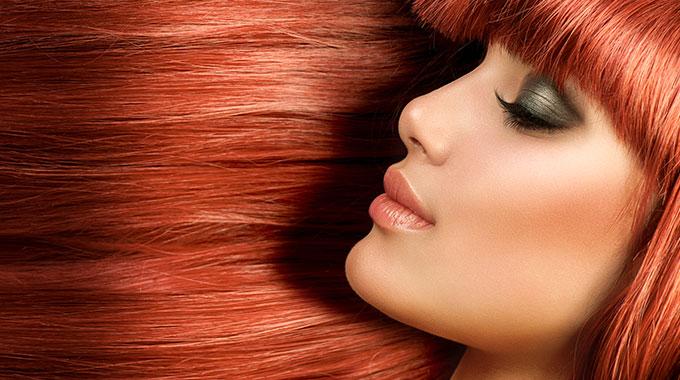Makijaż rude włosy
