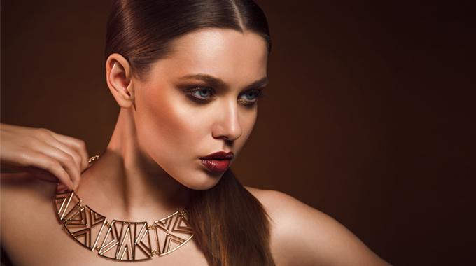 Makijaż wodcieniach brązu