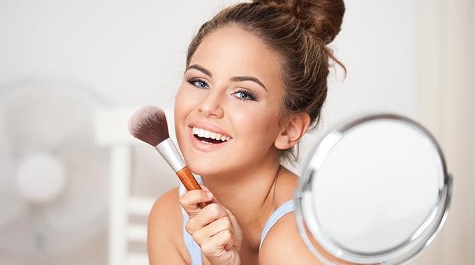 Czego unikać w makijażu